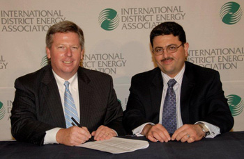 Mr Rob Thornton, CEO IDEA (left) and Mr. Fayad Khatib, GM Qatar Cool