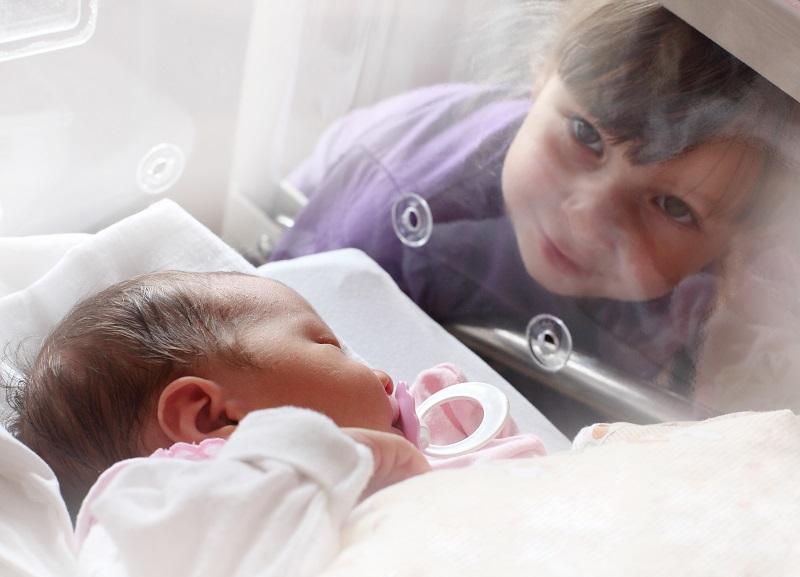 Baby child ICU hospital_low resSS